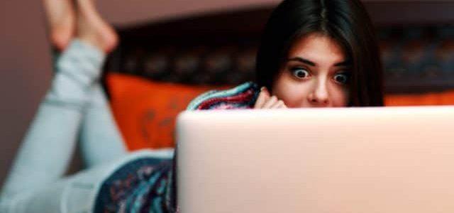 """Nainen huomaa, että poikaystävällä on """"satoja kuvia"""" hänen pikkuveljestään kannettavalla tietokoneellaan. Mitä nyt?!"""