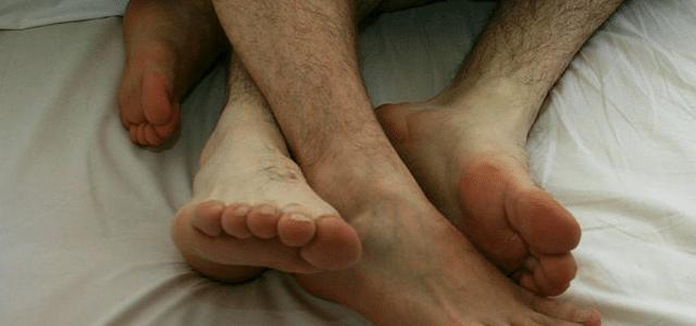 Nainen kertoo jakavansa poikaystävän miehensä kanssa … ja siitä seuranneesta mustasukkaisuudesta